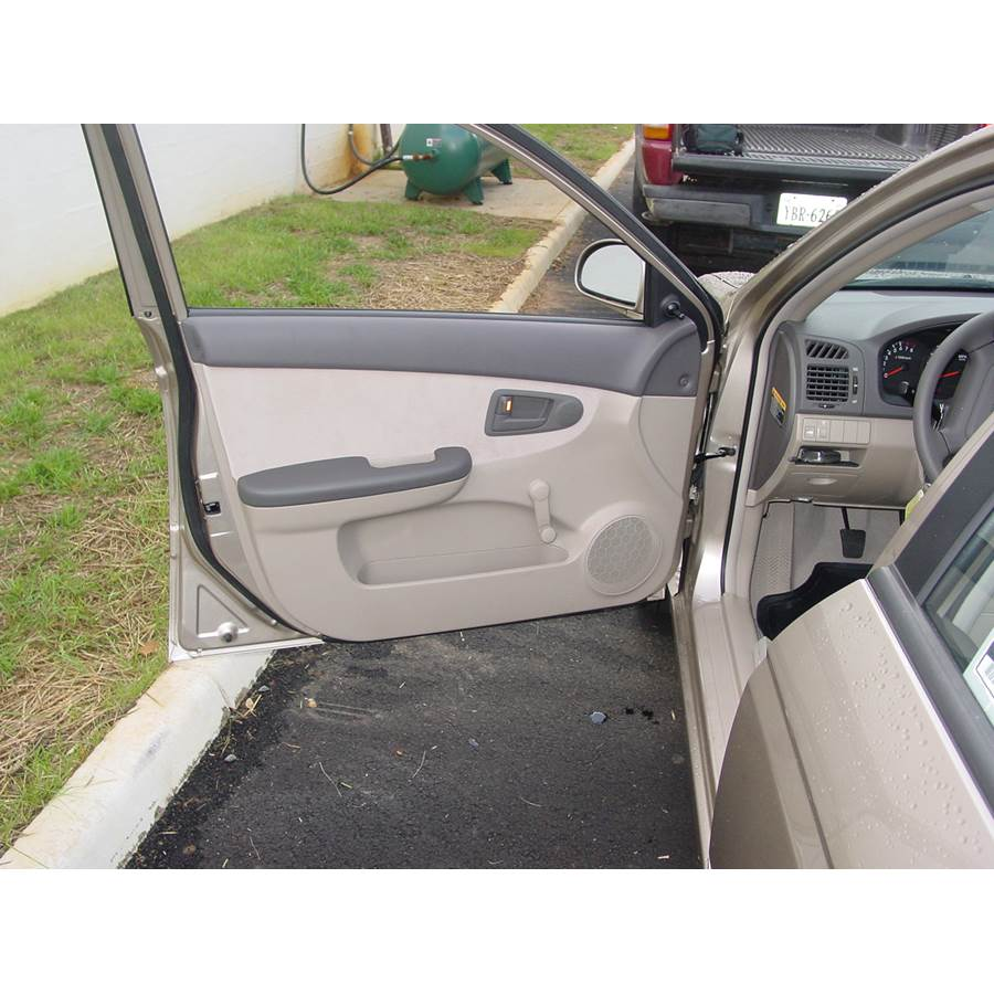 2006 Kia Spectra5 Front door speaker location
