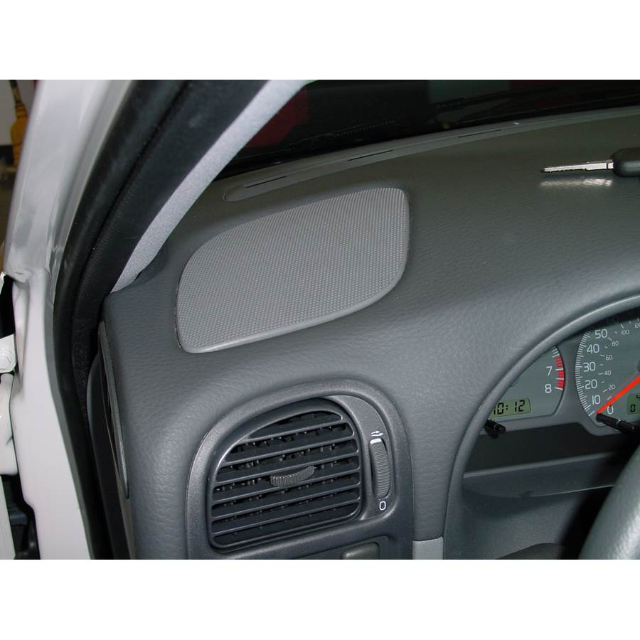2001 Volvo V40 Dash speaker location