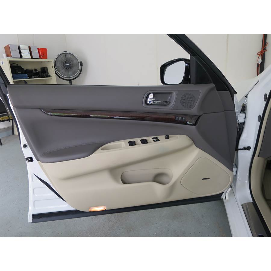 2012 Infiniti G Front door speaker location
