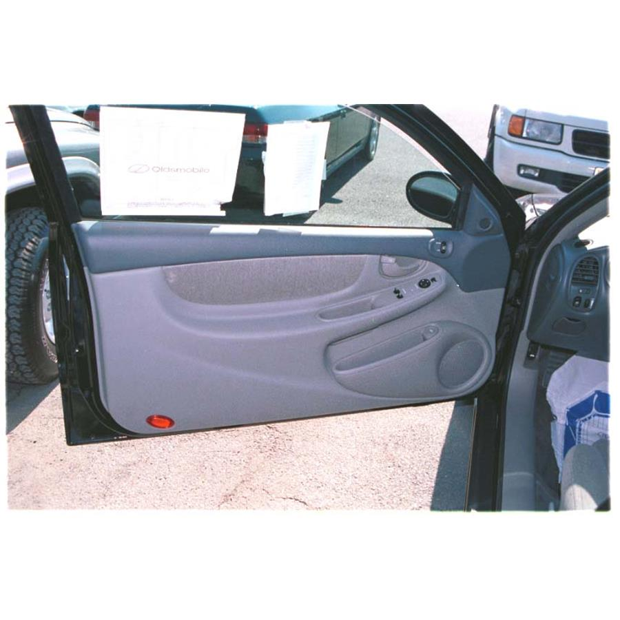 2000 Oldsmobile Alero Front door speaker location