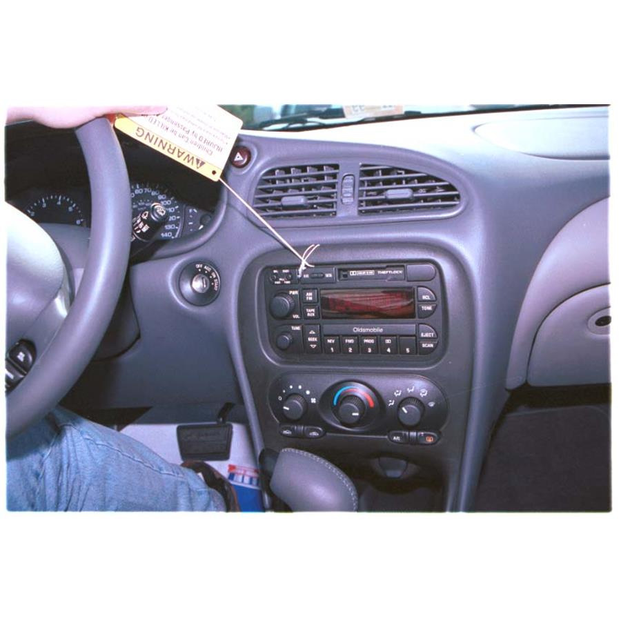2000 Oldsmobile Alero Factory Radio