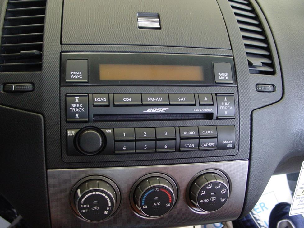 Nissan Altima factory radio