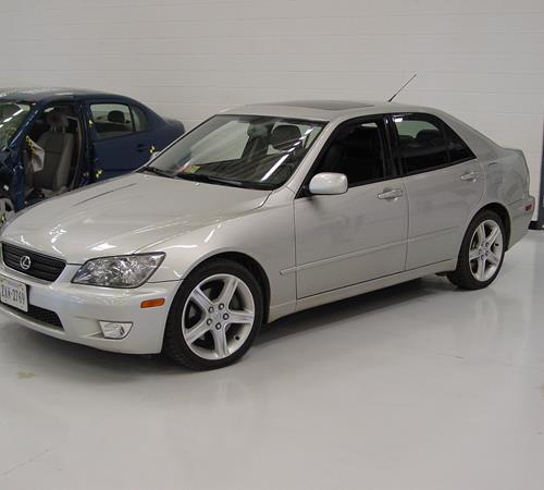 2001 Lexus IS300 Exterior