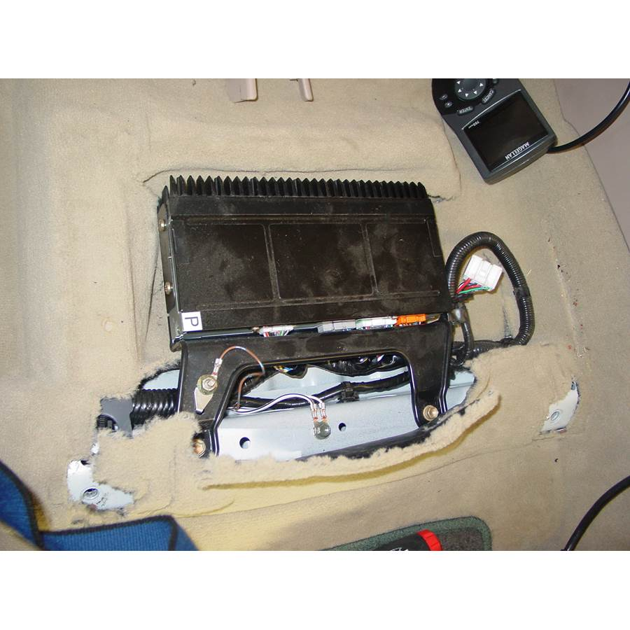 1998 Lexus LX470 Factory amplifier