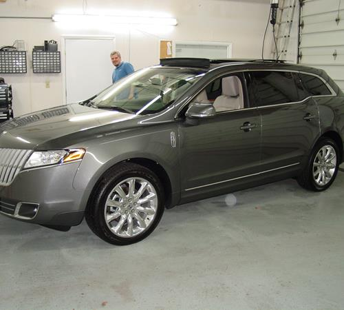 2010 Lincoln MKT Exterior
