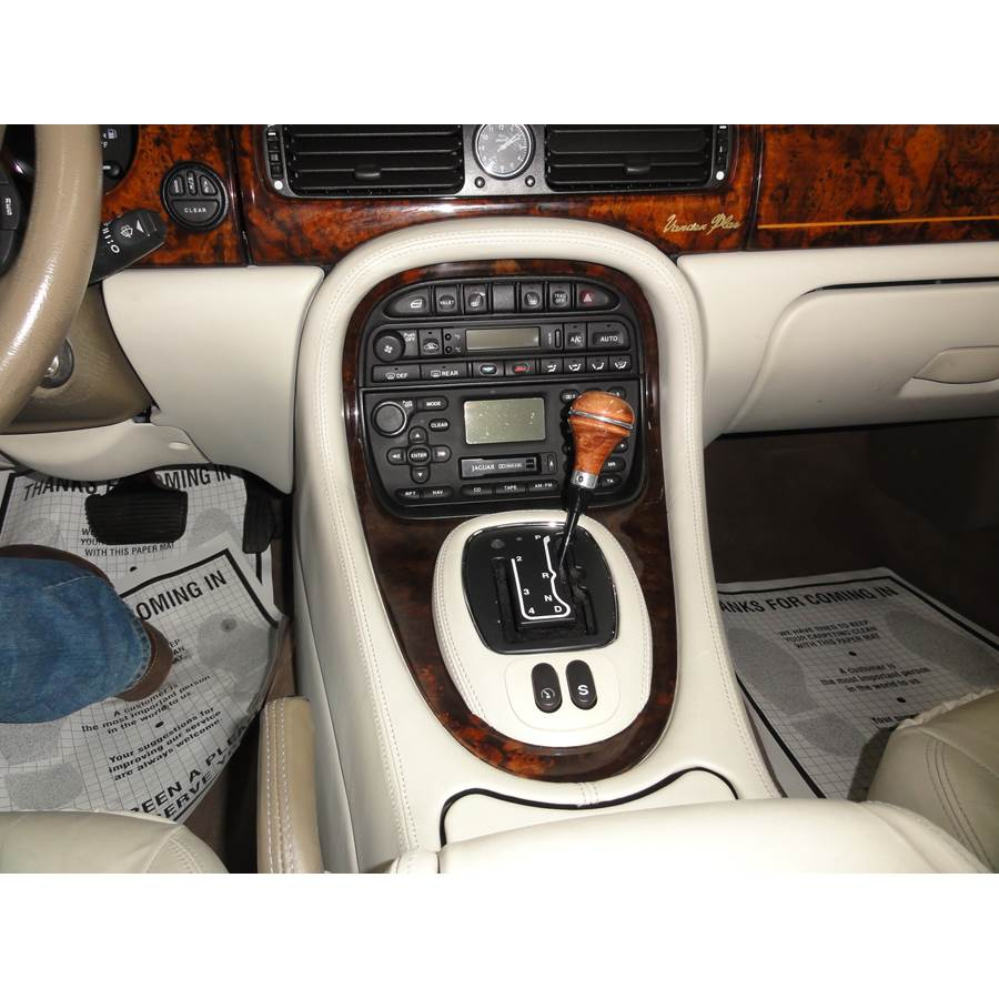 2002 Jaguar XJR Factory Radio