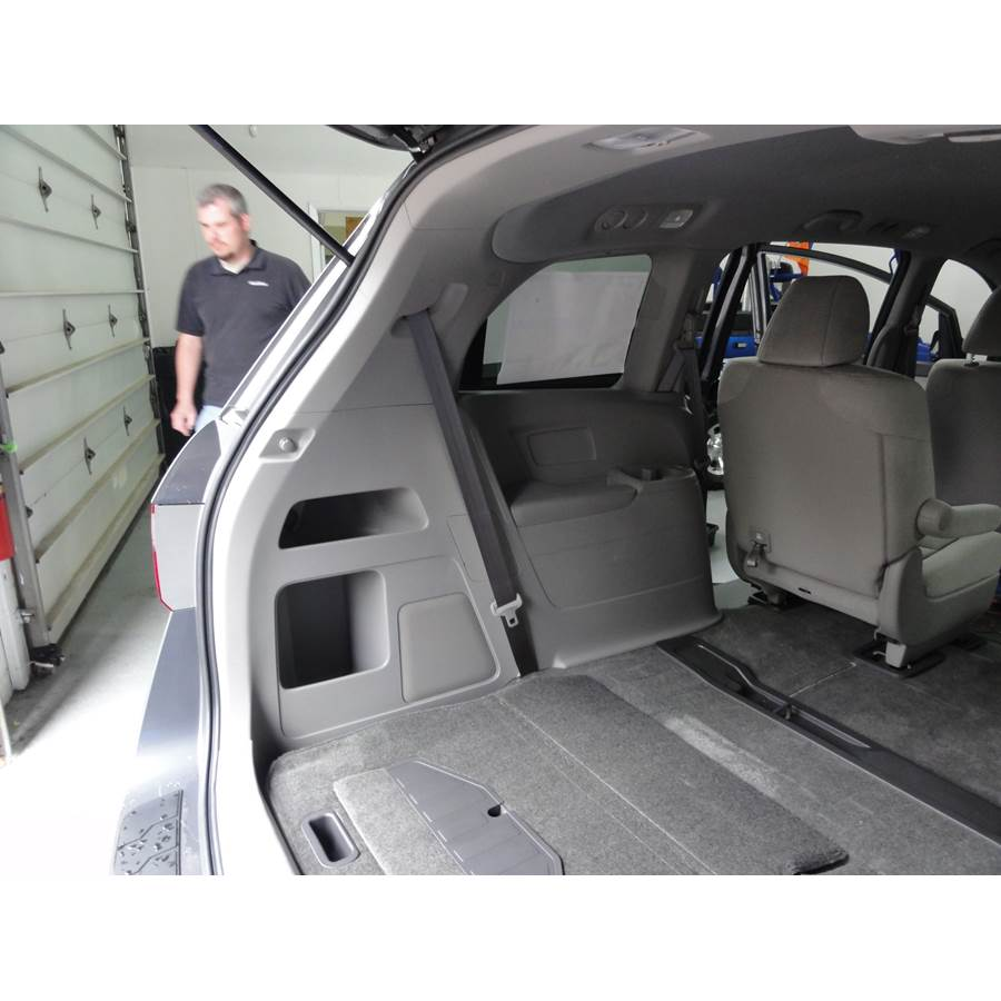 2017 Honda Odyssey EX-L Far-rear side speaker location