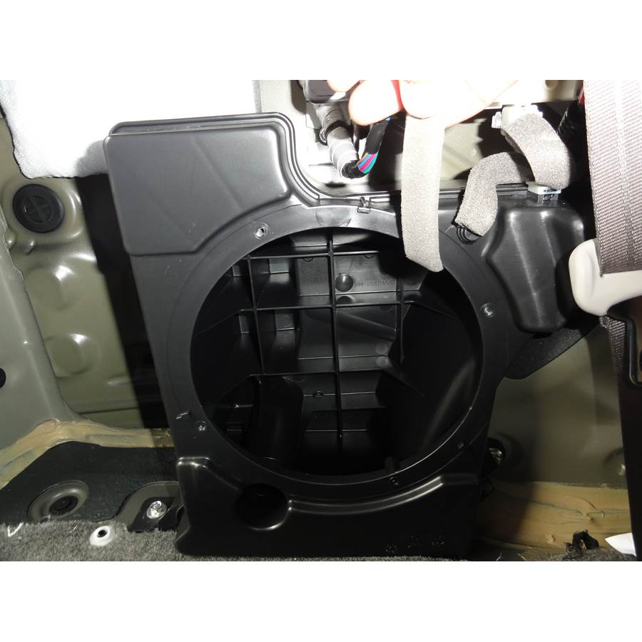 2017 Honda Odyssey EX-L Far-rear side speaker removed