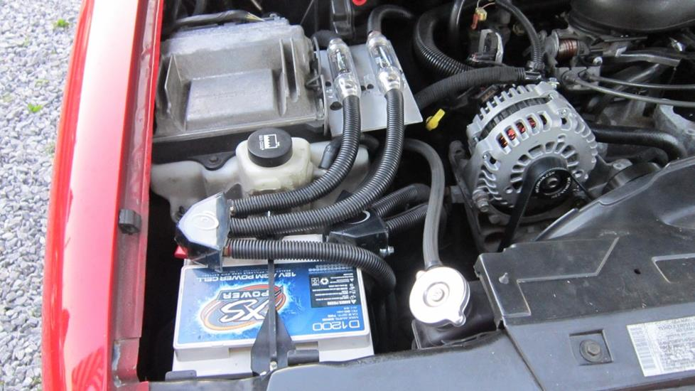 Thomas Y's 2004 Chevrolet Blazer with an XS Power D1200 battery