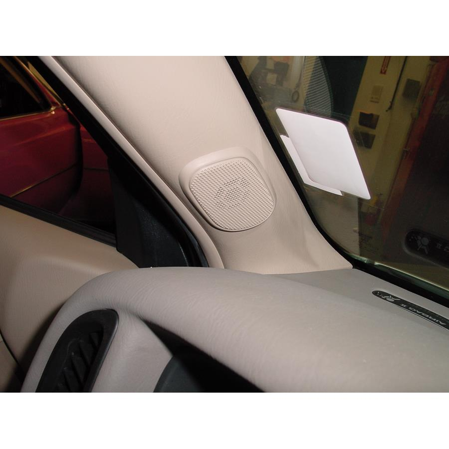 2004 Nissan Pathfinder SE Front pillar speaker location