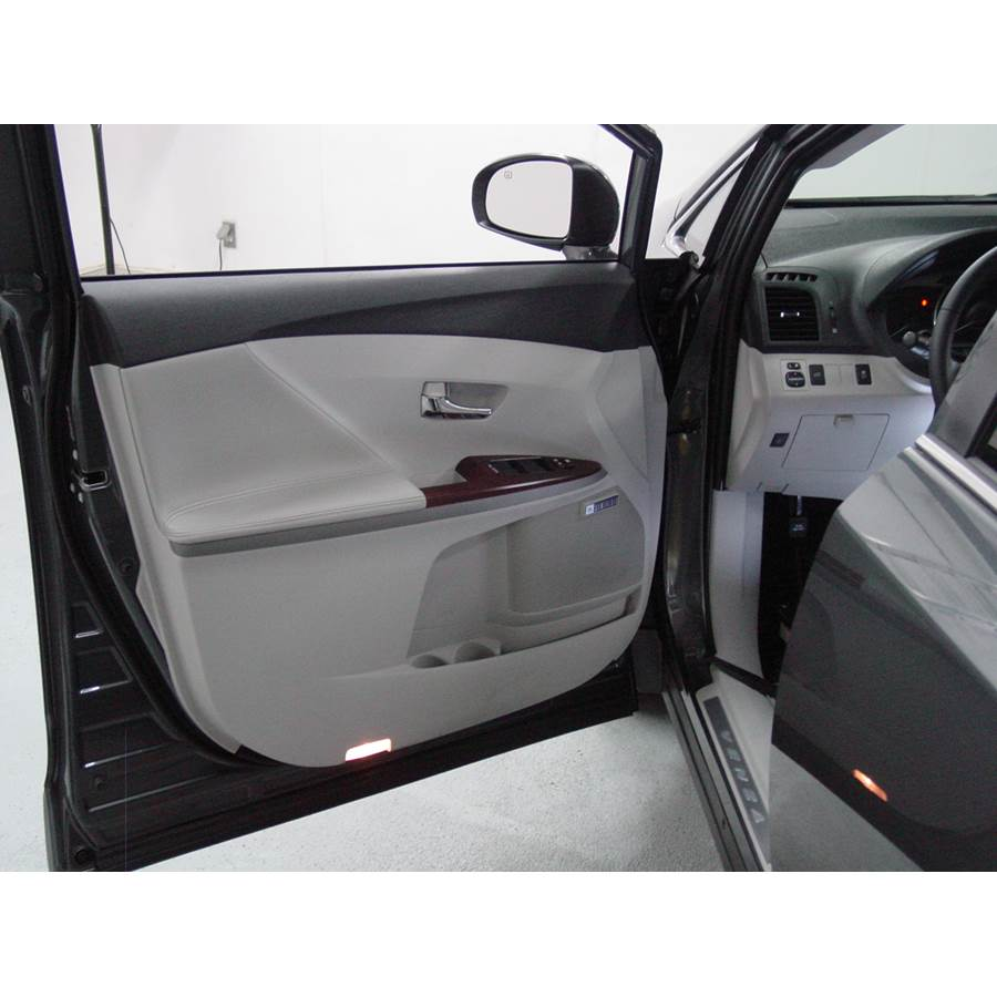 2014 Toyota Venza Front door speaker location