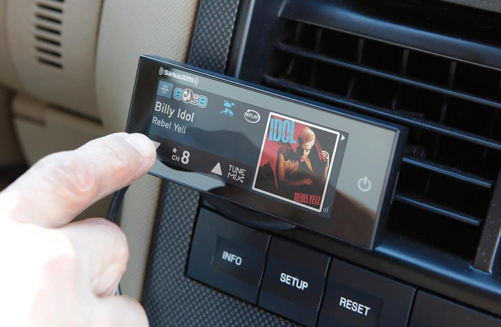 siriusxm commander touch dash mount