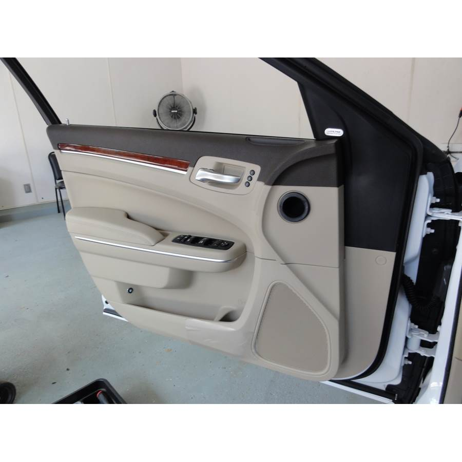 2016 Chrysler 300 Front door speaker location