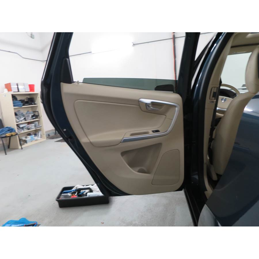 2014 Volvo XC60 Rear door speaker location