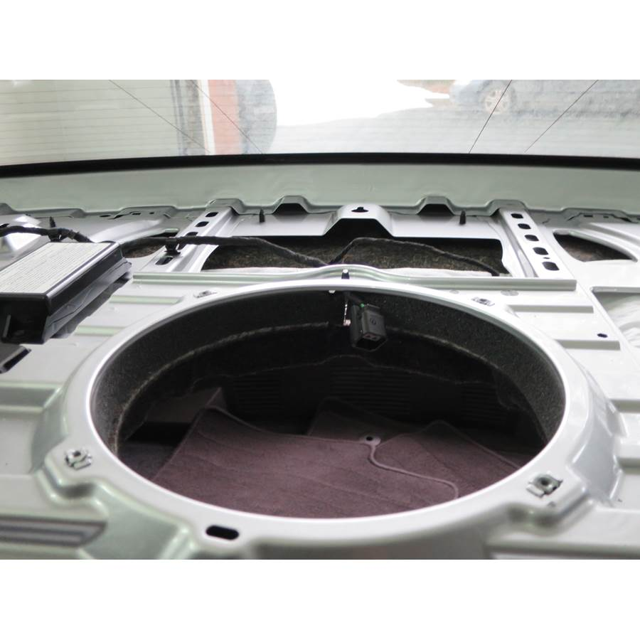 2014 Cadillac XTS Rear deck center speaker removed