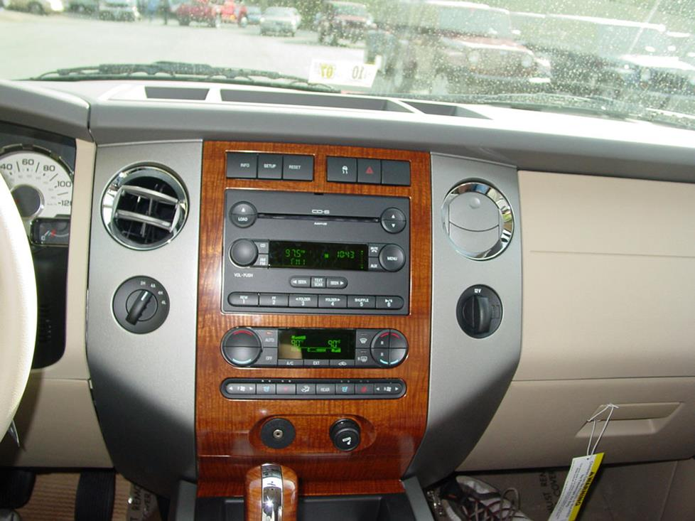 ford expedition base radio