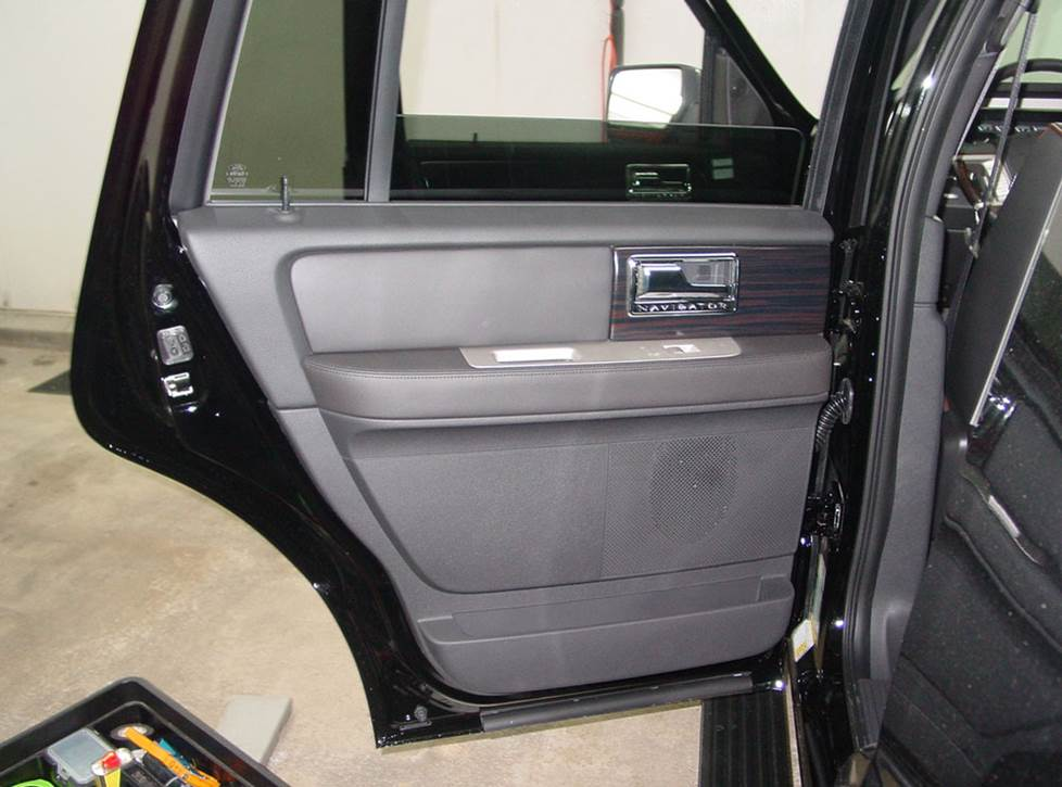 lincoln navigator rear door speakers