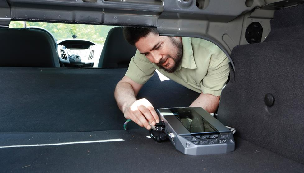Installing a car amp in the trunk