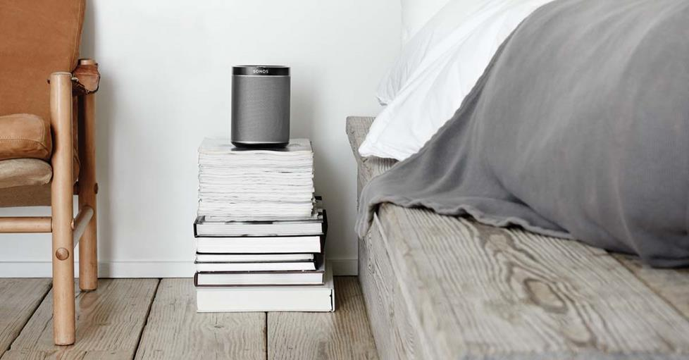 Sonos Play1 on a stack of books