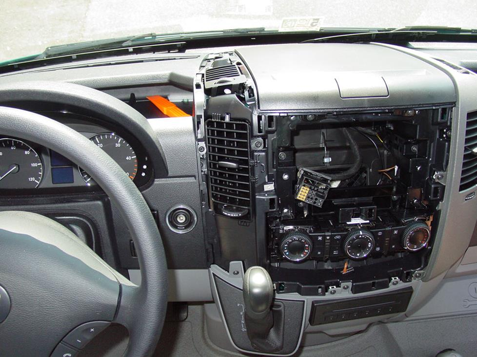 Dodgesprinterorm Toc together with Resource T D   S L   R Ab C Ee C A F A B F F Ca C B C C F D further Beetle Clymers also D Dodge Passenger B Interiorfusebox together with . on dodge sprinter radio wiring diagram