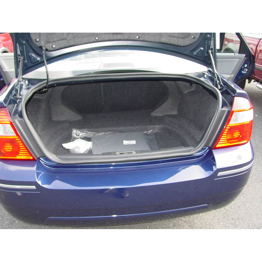 2007 Ford Five Hundred Cargo space