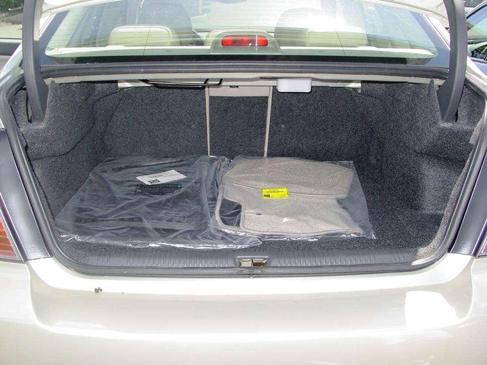subaru outback legacy trunk space subwoofer