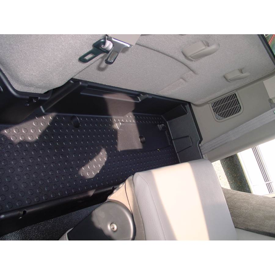 2003 Dodge Ram 3500 Cargo space