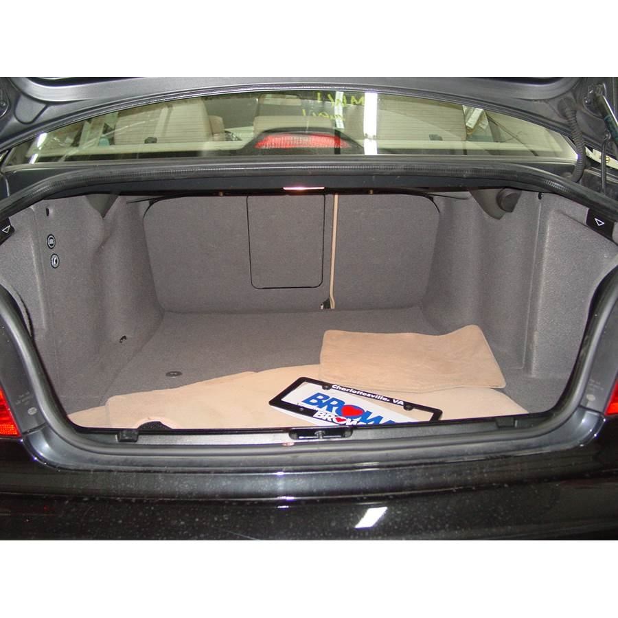 2000 BMW 5 Series Cargo space