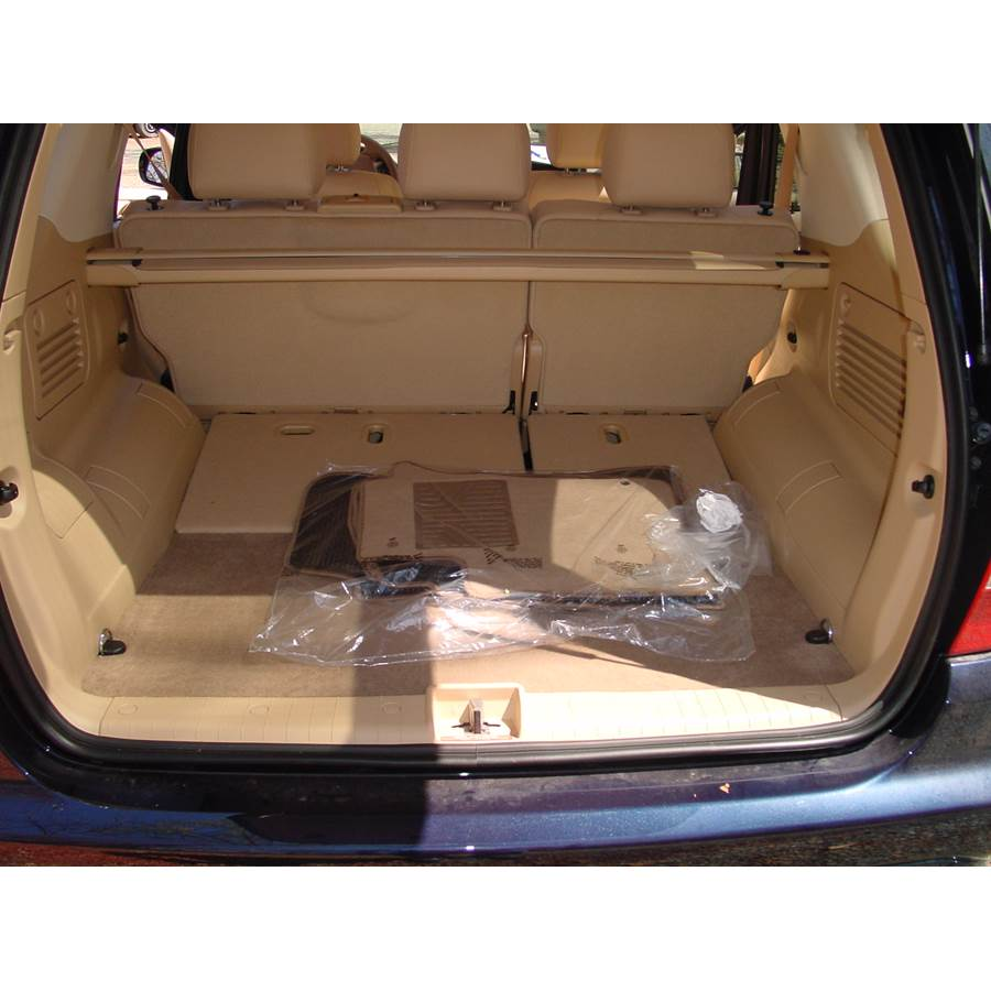 2000 Mercedes-Benz ML320 Cargo space