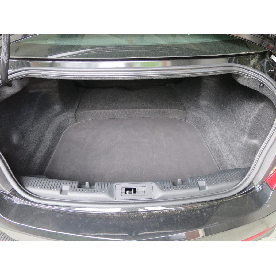 2016 Lincoln MKS Cargo space