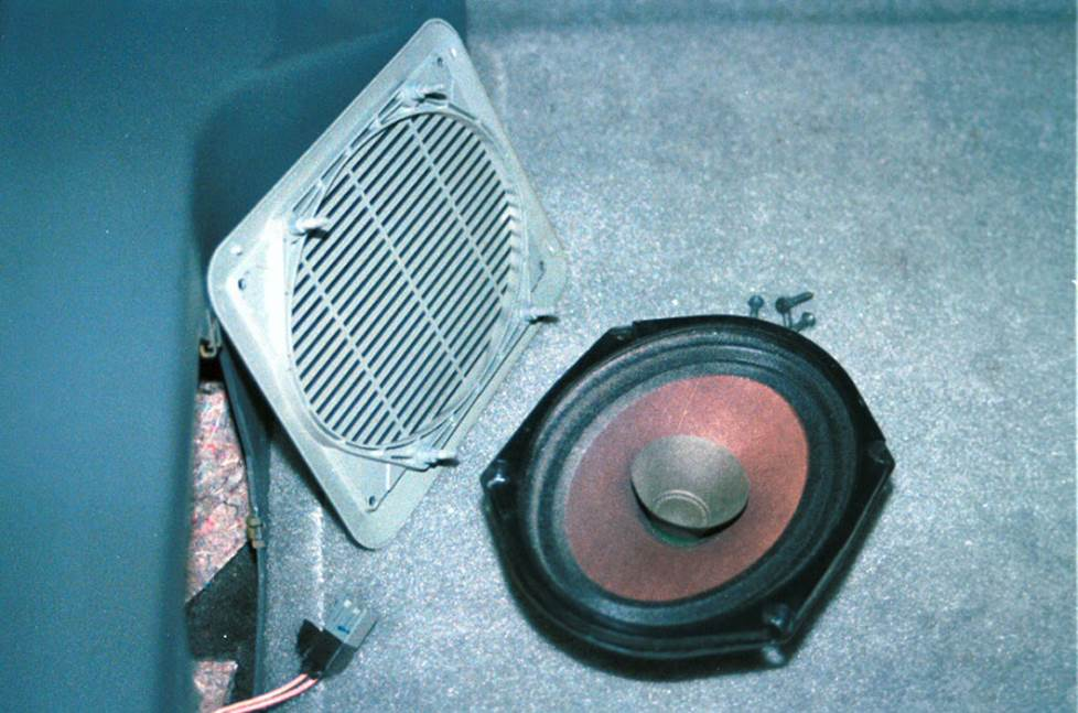 ford mustang speakers 1986