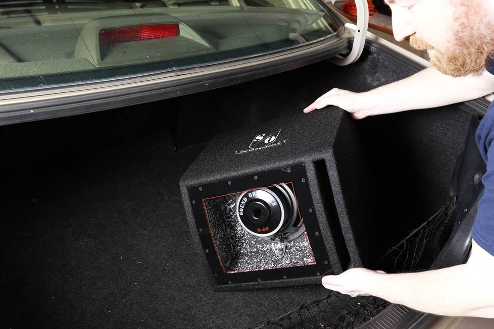 Placing the subwoofer box in the trunk