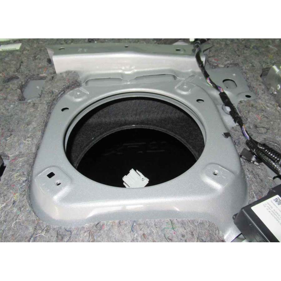 2017 Acura RLX Rear deck center speaker removed
