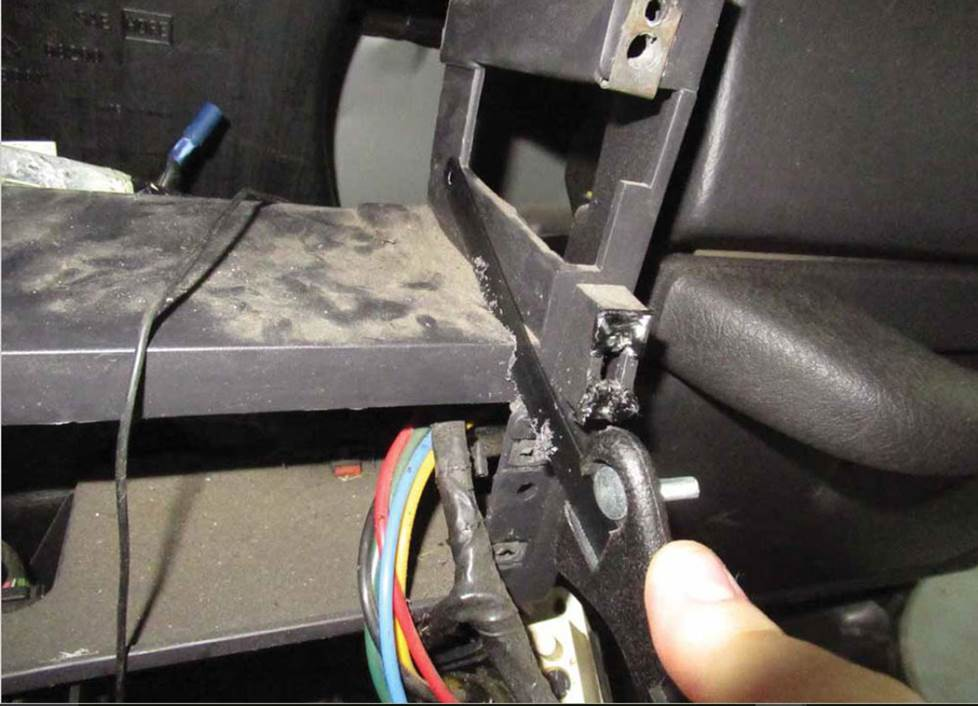 cutting the dash brace in a jeep wrangler