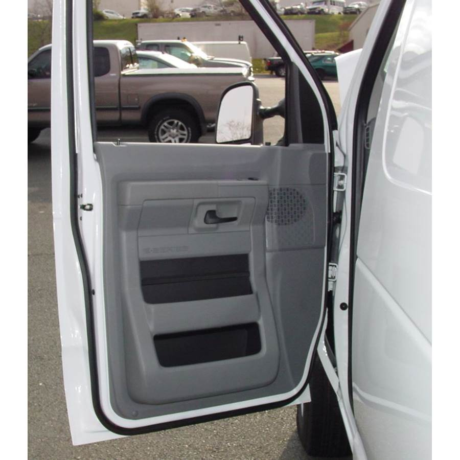 2017 Ford E-450 Front door speaker location
