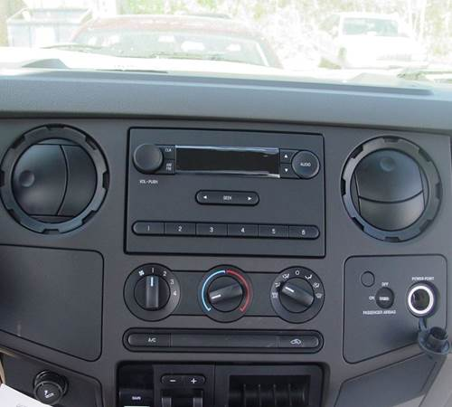 2014 Ford F-650 Factory Radio