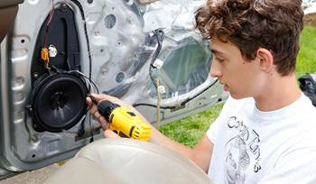 Grandson installs a new system in the family 4Runner
