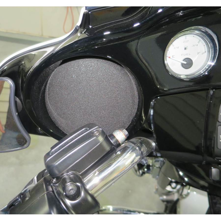 2018 Harley-Davidson Street Glide Ultra Dash speaker location