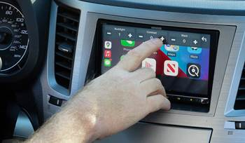 The advantages of having a touchscreen stereo in your car