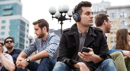 How to choose the best noise-canceling headphones