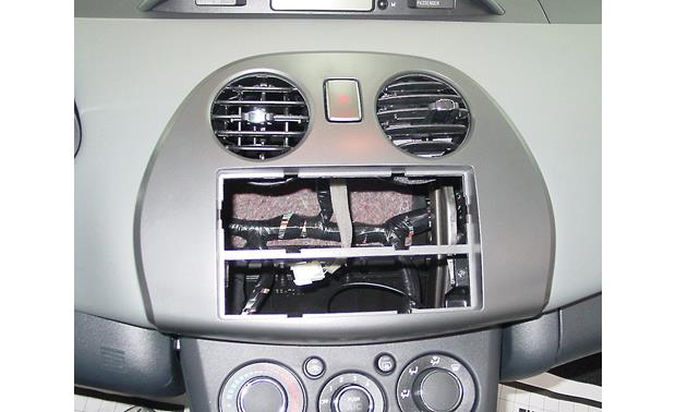 Metra 99-7010 Dash Kit Kit installed without radio