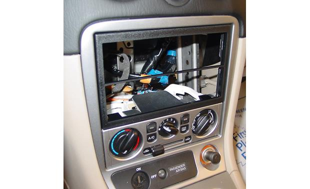 Metra 99-7505 Dash Kit Kit installed without radio