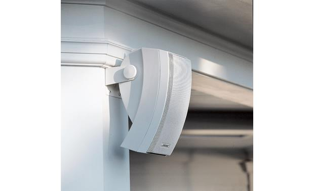 Bose® 251® environmental speakers Integrated mounting bracket