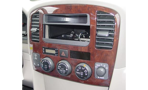 American International SUZK-946 Dash Kit Kit installed without radio