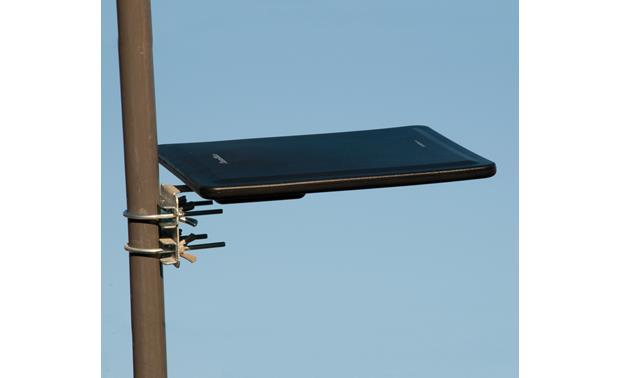 Channel Master CM-3000HD SMARTenna Mounted to a pole