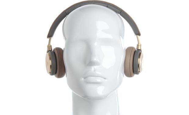 Bang & Olufsen Beoplay H8 Mannequin shown for fit and scale