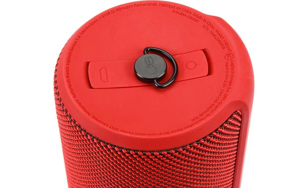 UE MEGABOOM Inputs covered with waterproof cap