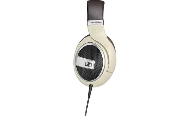Sennheiser HD599 38mm drivers deliver smooth, natural sound that emulates loudspeakers