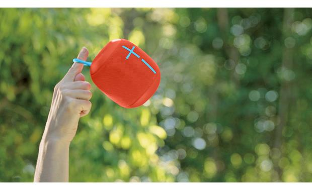 Ultimate Ears WONDERBOOM Fireball Red - attached carry loop