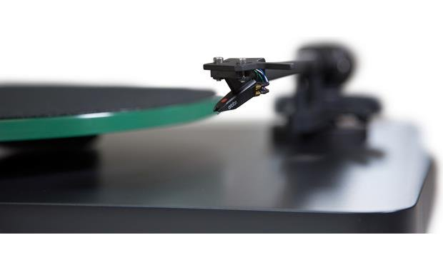 NAD C 558 Pre-mounted Ortofon OM10 moving magnet cartridge